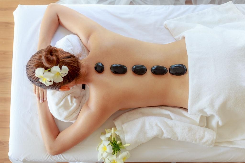 Kurs Masazhi me Gurë të nxehtë Tirane - Evolution Academy